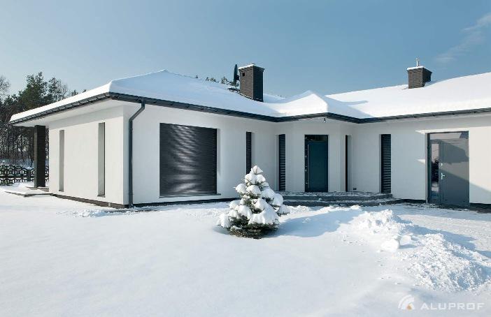 Rolety zewnętrzne Aluprof zimą